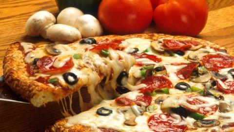Pizza Napoletana: una donna per la prima volta tra i grandi