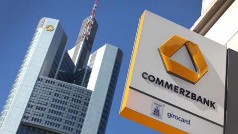 Commerzbank: Merkel preferisce Paribas a Unicredit
