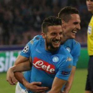 Champions, il Napoli ne fa 4 al Benfica