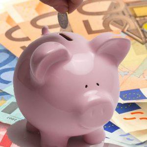 I soldi sotto il materasso? Una delle peggiori idee che si possano avere. Ecco perché