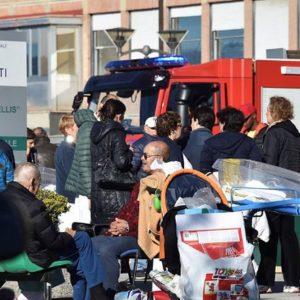 """Terremoto, Renzi: """"Container entro Natale, poi casette"""" – TUTTI I VIDEO"""