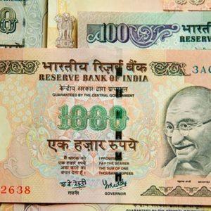 India nel caos: ritiro choc di due banconote