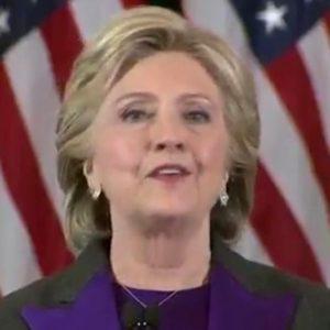 """Hillary: """"Ho perso per colpa dell'Fbi"""""""