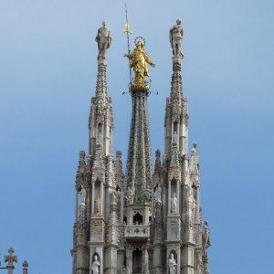 Borsa Milano ai massimi. Ubi vola, la Cina pesa sul lusso