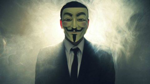 Anonymous hackera due siti del Pd