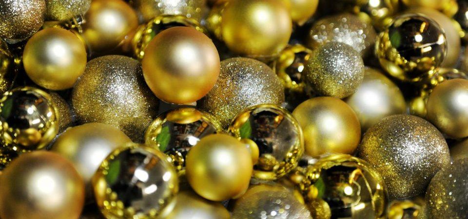 Regali di Natale: budget non superiore a 300 euro