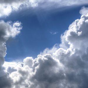 """Meteo: caldo """"normale"""", da martedì temporali al Nord"""