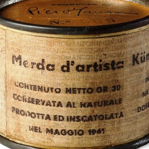 Record mondiale per Piero Manzoni: 275.000 euro per Merda d'artista n.69