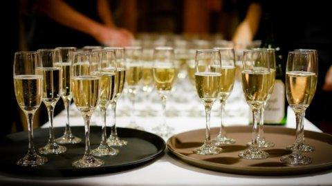 Spumante, 230 milioni di bollicine italiane per il nuovo anno