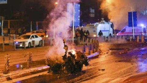 Turchia: 118 arresti dopo gli attentati