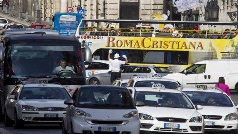 Roma: smog, continua il blocco del traffico