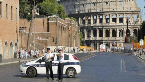 Smog, blocco auto e scioperi Roma e Milano