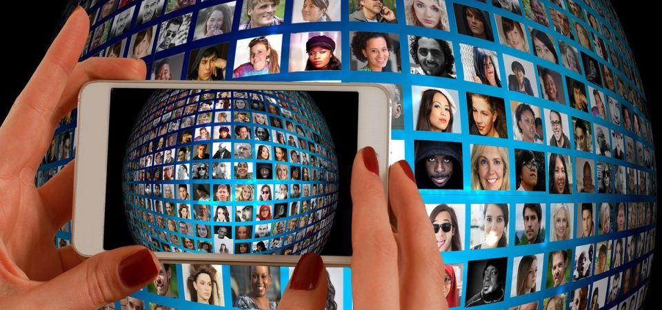 Smartphone: le tariffe internet e voce più convenienti per Natale 2016