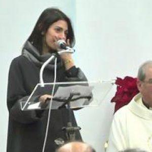 Roma, Raggi in lacrime alla messa di Natale
