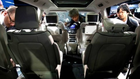 Ubi vicina alle Good Banks, Fca presenta auto a guida autonoma