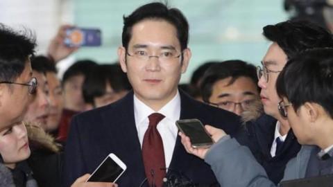 Samsung, mandato d'arresto per l'erede