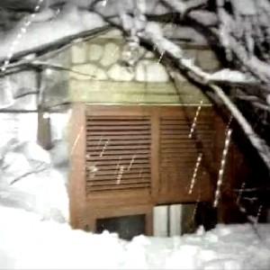 Terremoto e neve: 1 morto, 3 dispersi e una valanga su un hotel (VIDEO)