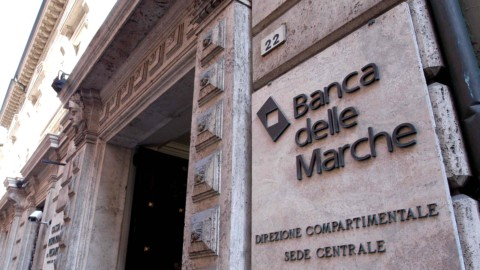 Banca Marche, ultime notizie: i finanziamenti nel mirino dei Pm