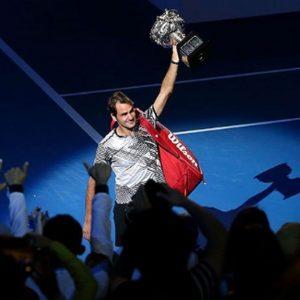 Federer è leggenda: suo il 18esimo Slam