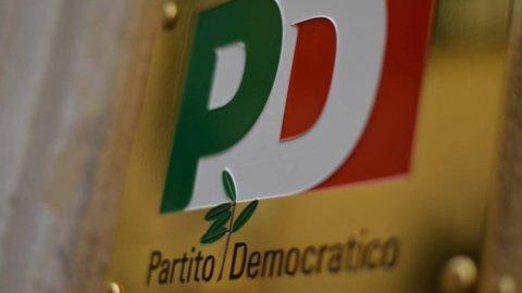 """Pd nella bufera: Prodi e Calenda per """"andare oltre"""""""