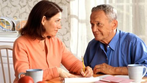 Pensioni: stop all'aumento a 67 anni. Idea Ape Social per le donne