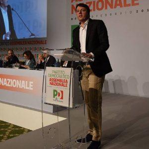 """Pd, via al congresso ma è rottura. Renzi: """"Niente ricatti"""", ma la minoranza non ci sta"""