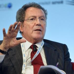 """Gros-Pietro: """"Intesa ha speso un miliardo per salvare altre banche"""""""