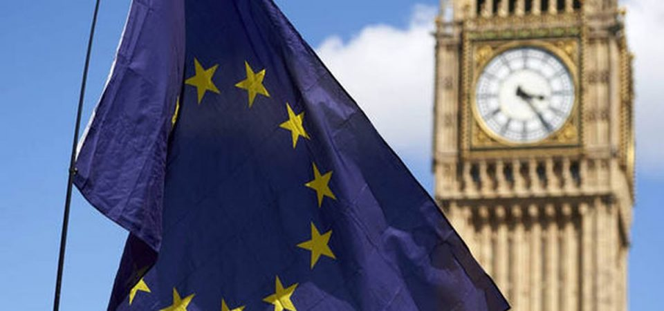 Brexit, è il giorno della verità: Johnson cede sull'Irlanda del Nord