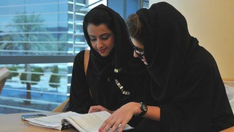 Lavoro,Ue: legittimo vietare velo islamico