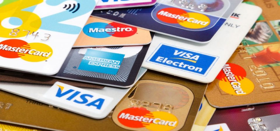 Carte di credito e carta di debito: tutto quello che c'è da sapere