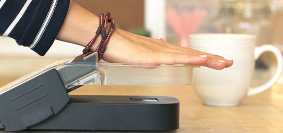 Pagamenti digitali: dai selfie all'impronta della mano, le novità in arrivo