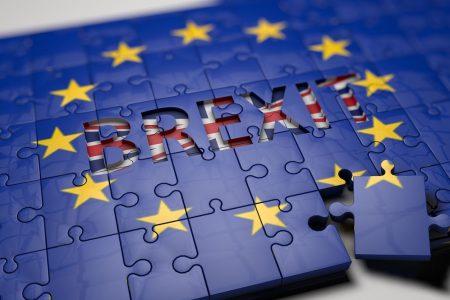 Ue-Gb: quando il gioco si fa duro, la Brexit si fa soft