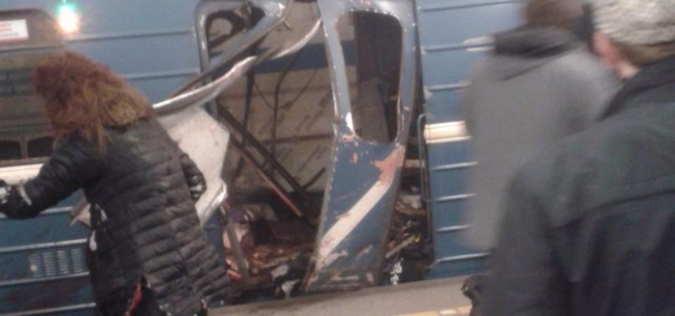 San Pietroburgo: 2 esplosioni in metro
