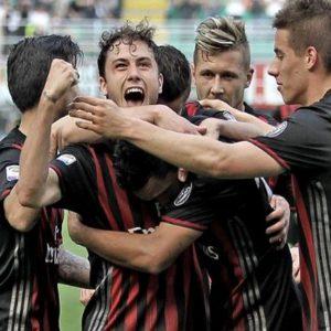 Milan, eurosorpasso sull'Inter: Pioli cade a Crotone