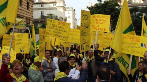 Guerra del riso: agricoltori in piazza