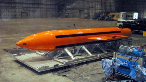 Afghanistan: Usa lanciano super bomba