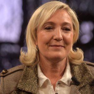 Le Pen indagata per assistenti Ue