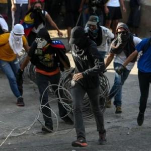 Venezuela, Maduro stronca golpe militare
