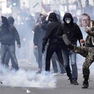 1° Maggio: scontri a Parigi e a Torino