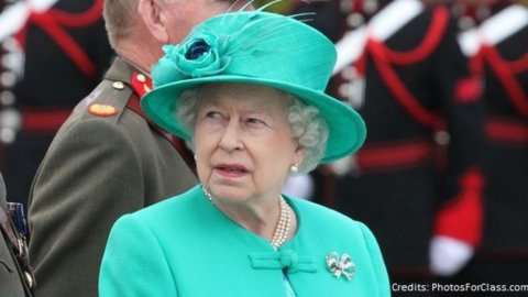 Buckingham Palace: Filippo si ritira
