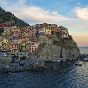 Cinque Terre a numero chiuso, presto anche a Firenze e Venezia?