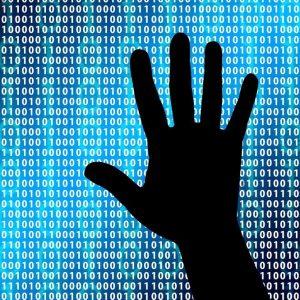 Cyberbullismo, Camera approva la legge