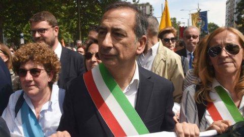 Milano, migranti: la marcia dei 100mila