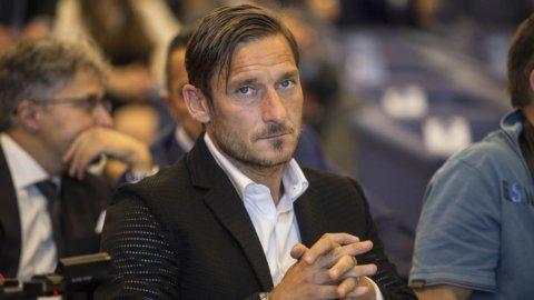 Totti Spa: ville, affari (e debiti) del Capitano