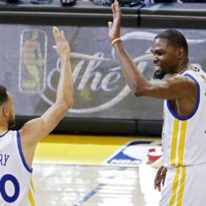 Finali Nba, i Warriors dominano gara-1