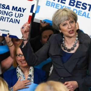Elezioni UK: May vince ma non ha più la maggioranza