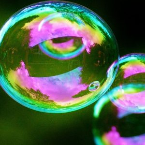 Hi tech, profumo di bolla: Stm crolla, Borse in rosso