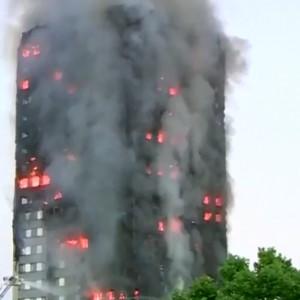Londra: i morti potrebbero essere 100