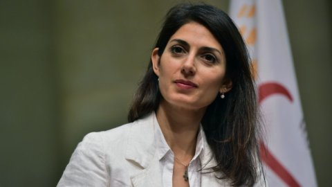 Roma: Raggi nomina 2 nuovi assessori