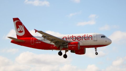 Air Berlin ko anche in Borsa e Lufthansa se ne avvantaggia